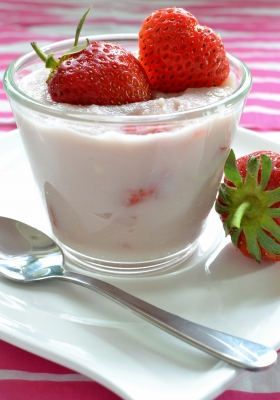 low fat strawberry yogurt