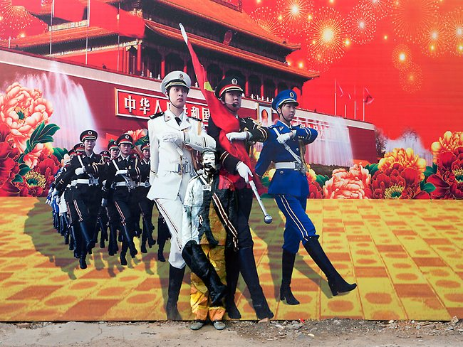 wall painting liu bolin
