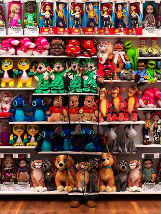 toys illusion liu bolin